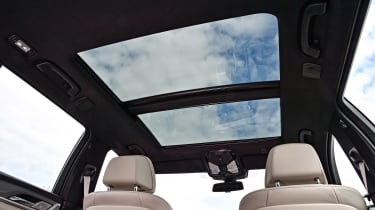 BMW 530d Touring - panoramic roof