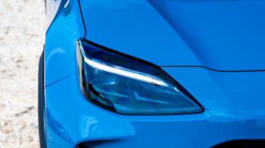 Toyota Yaris Cross - light