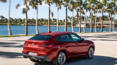 BMW X4 - rear action