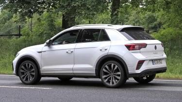 Volkswagen T-Roc - spyshot 12