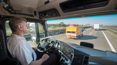 Mercedes Highway Pilot lorry - driver