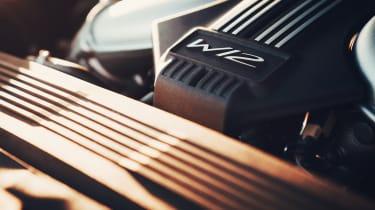 Bentley Flying Spur - engine