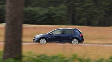 Volkswagen Golf - side