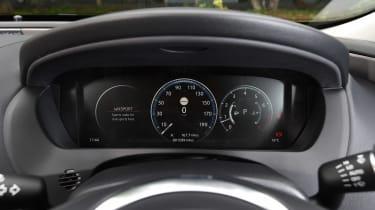 Jaguar XE 200PS - dials