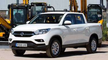 SsangYong Musso EX - front static