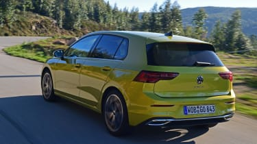 Volkswagen Golf Mk8 - rear tracking