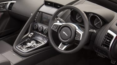 Jaguar F-Type Convertible 2.0-litre 4-cylinder - dash