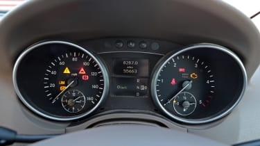 Used Mercedes M-Class - dials