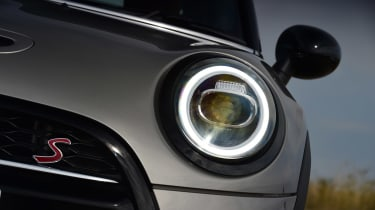MINI Cooper S - front light