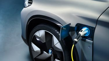 BMW iX3 - plugged-in detail