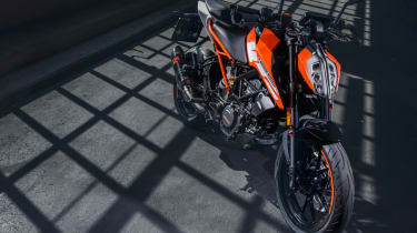 KTM Duke 125 review - static above