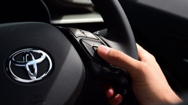 Toyota C-HR - steering wheel inputs