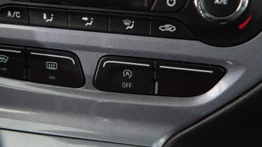 Used Mk3 Ford Focus - centre console