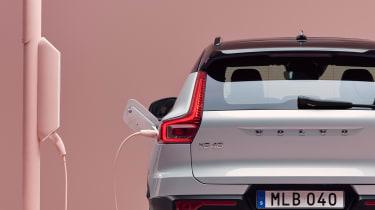 Volvo XC40 Recharge - charging