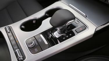 Kia Stinger - transmission
