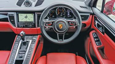 Porsche Macan Turbo - interior