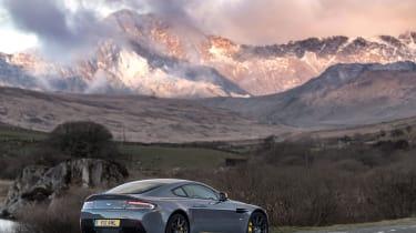 Aston Martin V12 Vantage S 2016 - static