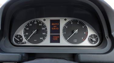 Used Mercedes B-Class - dials