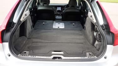 Volvo V90 Cross Country - boot folded