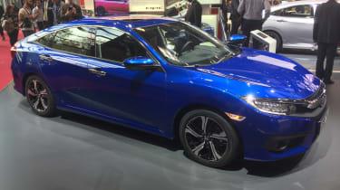Honda Civic - Paris side