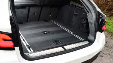 BMW 530d Touring - boot side