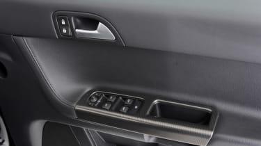 Used Volvo S40 - door controls