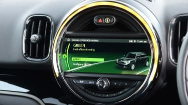 MINI Countryman PHEV - infotainment
