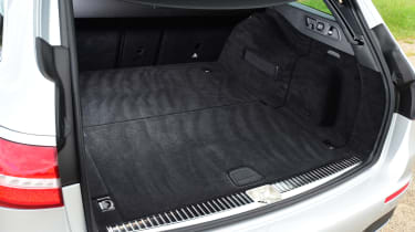 Mercedes E-Class Estate E220d UK - boot