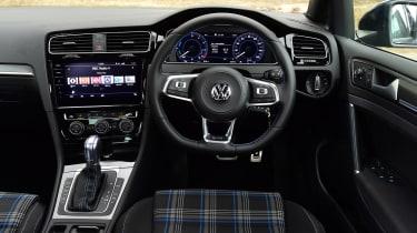 Volkswagen Golf GTE - dash