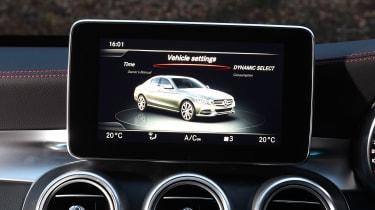 Mercedes-AMG C 43 - infotainment screen