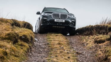 BMW X7 - full front off-road