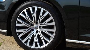 Audi A8 55 TFSI - wheel