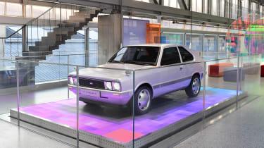 Hyundai Pony - stand