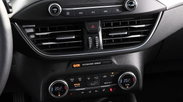 Ford Focus - centre console