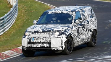 2017 Land Rover Discovery 'Ring front side