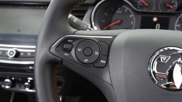 Vauxhall Crossland X - steering wheel detail