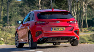 Kia Ceed GT - rear cornering