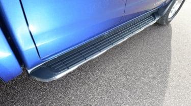 Ford Ranger - side step