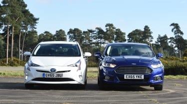 Toyota Prius vs Ford Mondeo Hybrid - header