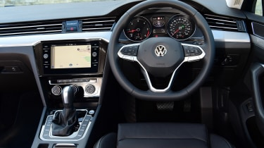 Volkswagen Passat - dash