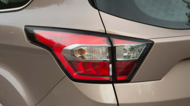 Ford Kuga Vignale 2016 - rear light
