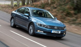 Volkswagen Passat BlueMotion 2016 - front tracking