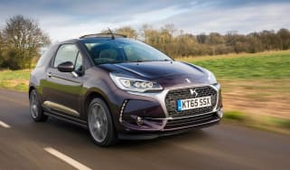 DS 3 Cabrio 2016 review - front tracking 2