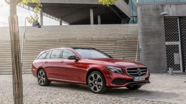 Mercedes E-Class Estate 2016 - front quarter