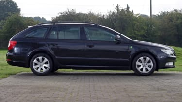 Used Skoda Superb side profile