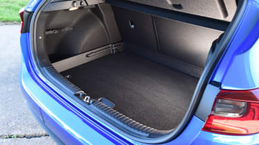kia ceed boot space