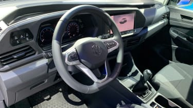 VW Caddy - dash reveal