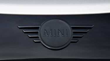 MINI John Cooper Works Knights Edition - badge