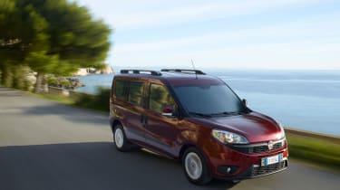 Fiat Doblo 2015 - tracking side