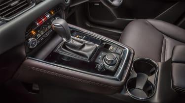Mazda CX-8 - centre console